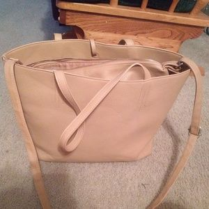 Tote bag with removable crossbody